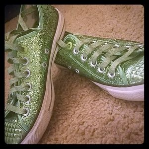 @akbgreen76**Daddy's $ green converse like shoes